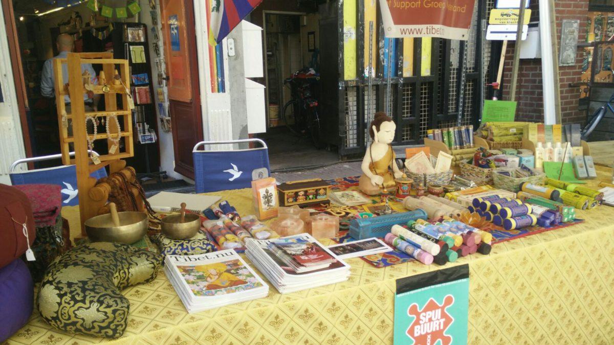 De Tibetwinkel tijdens het Spuibuurt feest